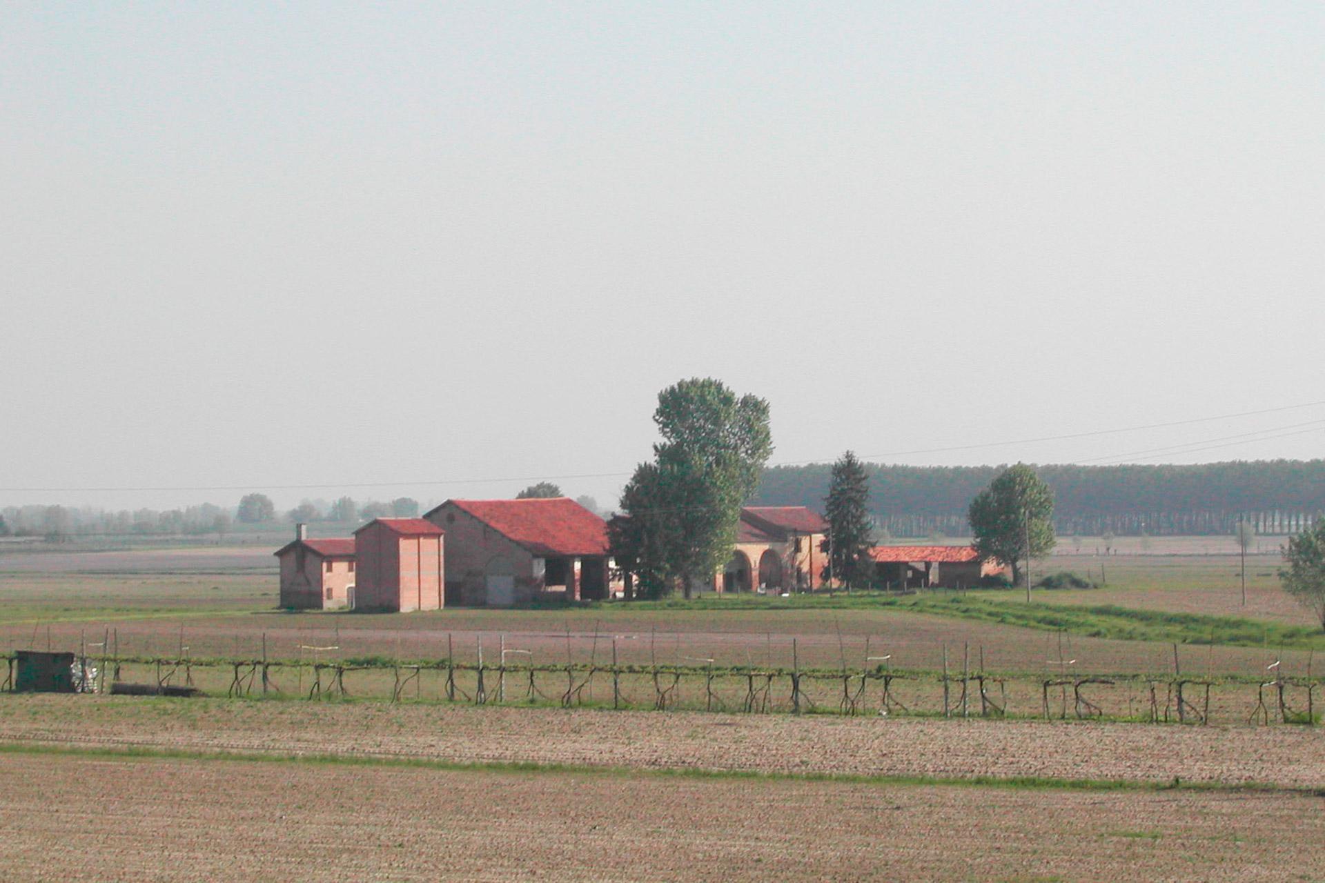 Anguillara Veneta_Edificio rurale con barchessa