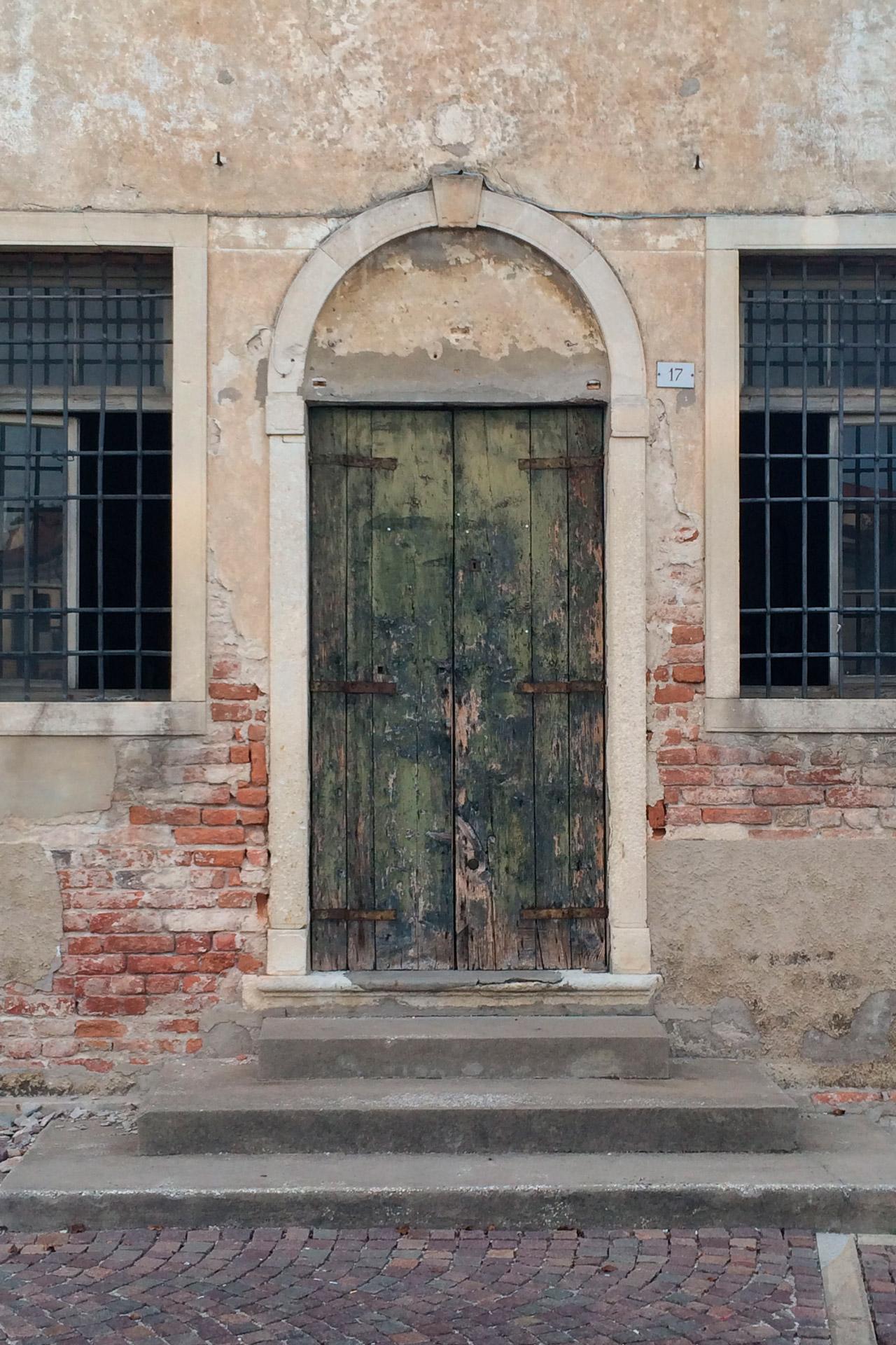 Cartura_Porta verde vicino Palazzo Buzzaccarini