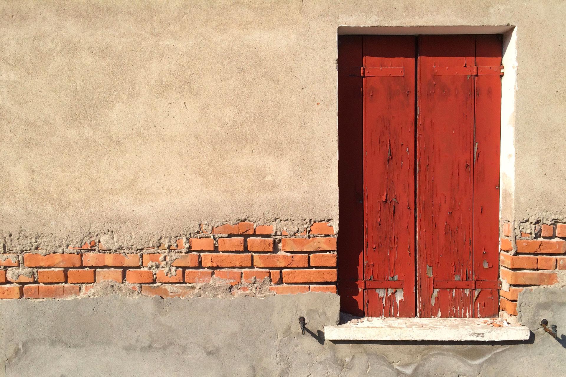 Anguillara Veneta_La finestra rossa