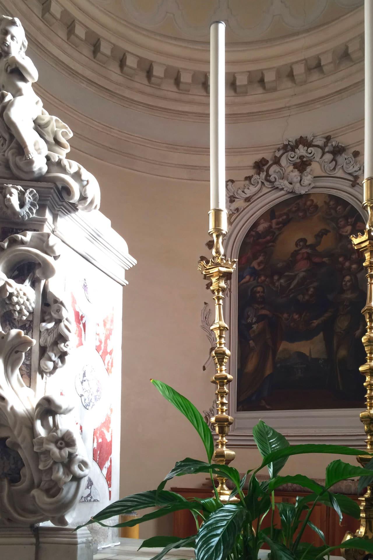 Cartura_Dettaglio dell'altare della Chiesa di Santa Maria Assunta