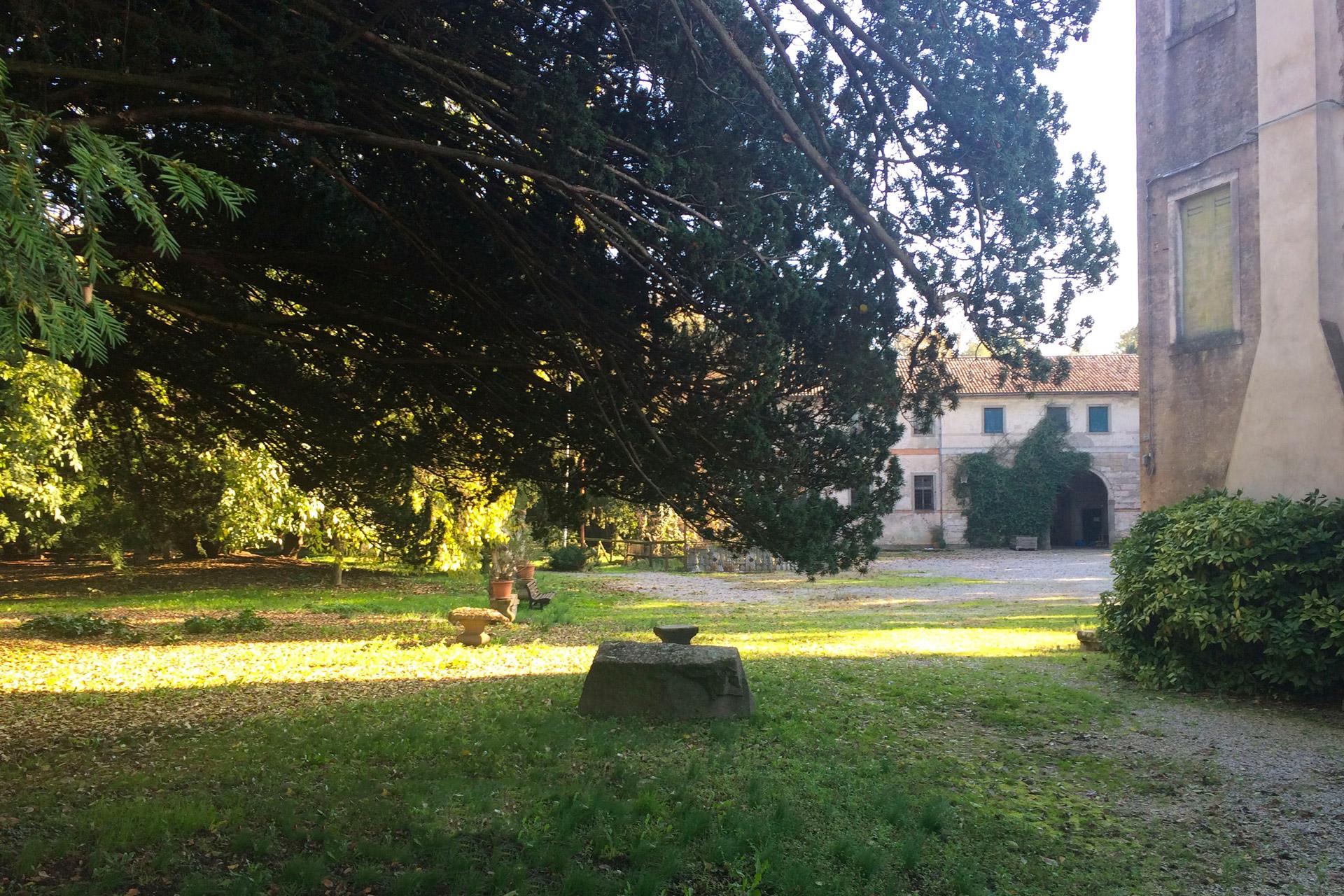 Pernumia_Parco di Villa Grifalconi Maldura